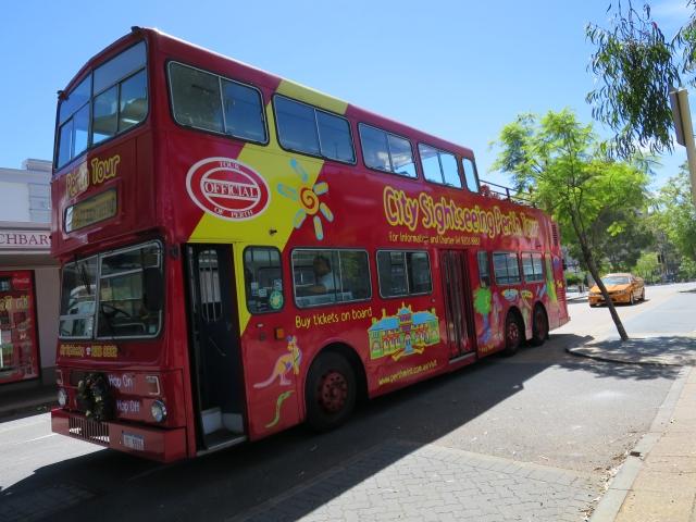 ロンドンのバスあれこれ